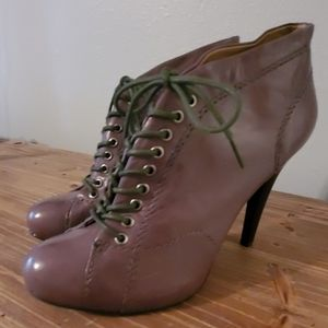 *NEW*Nine West Lace Up Bootie in Grey  Gray